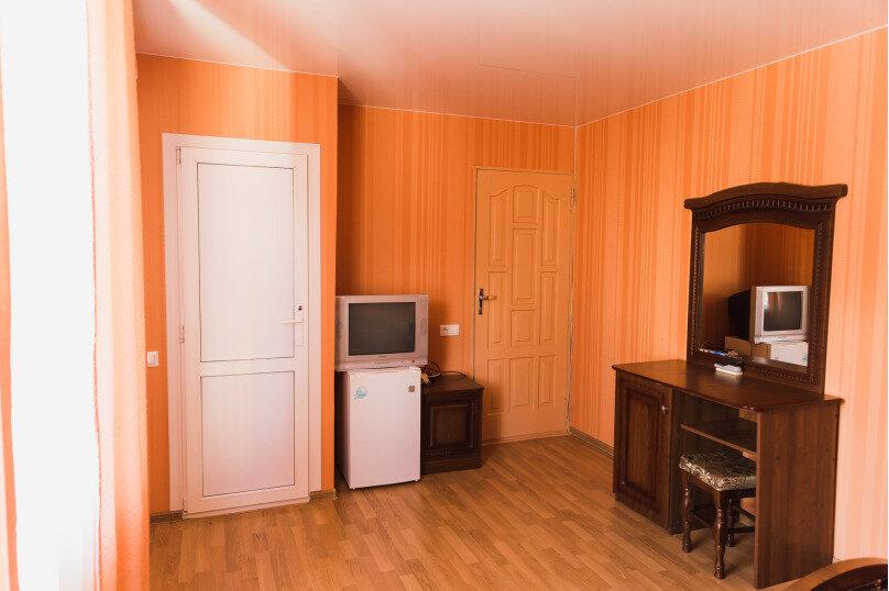"""Гостевой дом """"Клевер"""", Медовая улица, 24 на 28 комнат - Фотография 8"""