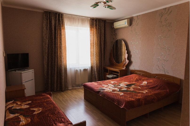 """Гостевой дом """"Клевер"""", Медовая улица, 24 на 28 комнат - Фотография 11"""