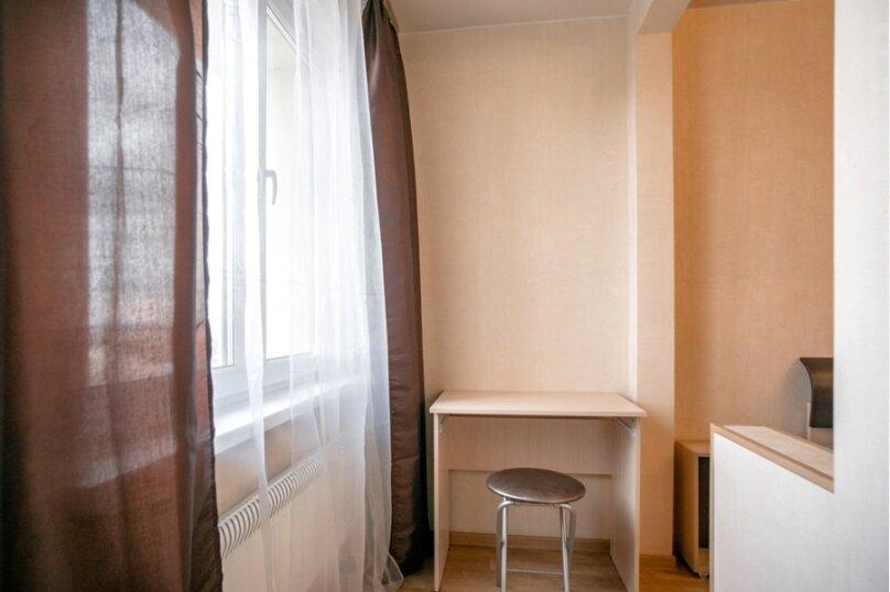 2-комн. квартира, 70 кв.м. на 8 человек, улица Курчатова, 5В, Челябинск - Фотография 12