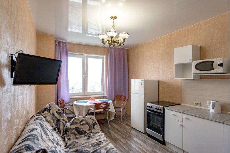 2-комн. квартира, 70 кв.м. на 8 человек, улица Курчатова, 5В, Челябинск - Фотография 13