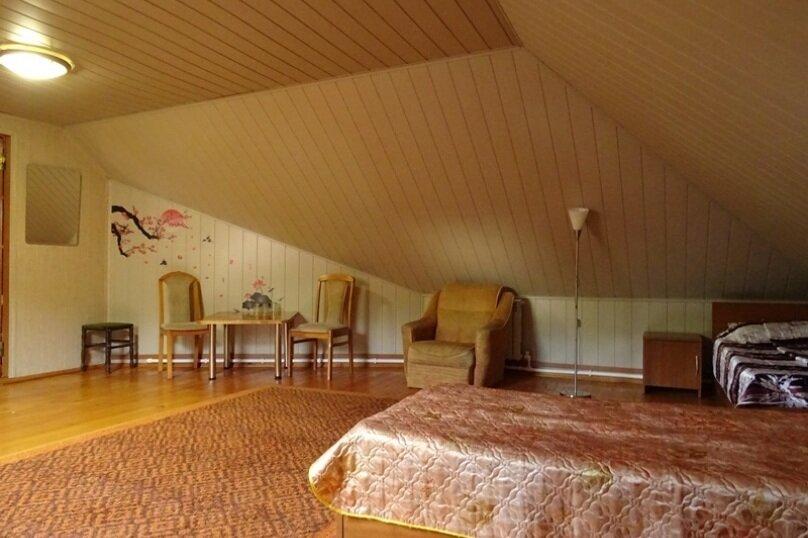 4-местный номер с общей ванной комнатой, улица Череватенко, 14, Геленджик - Фотография 3