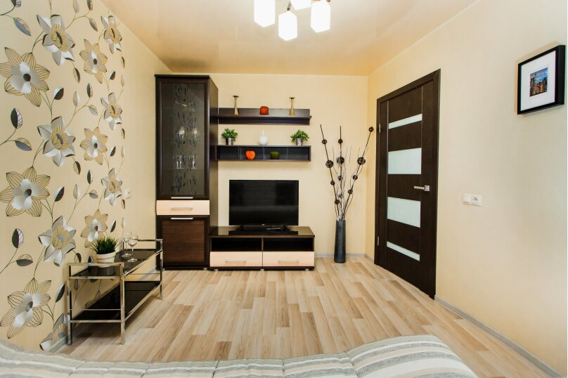 1-комн. квартира, 38 кв.м. на 4 человека, улица 40 лет Победы, 17А, Тольятти - Фотография 5