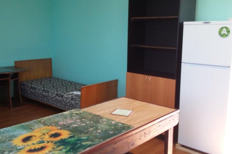 4хместный номер с кухней., Приморская улица, 22Б на 1 номер - Фотография 3