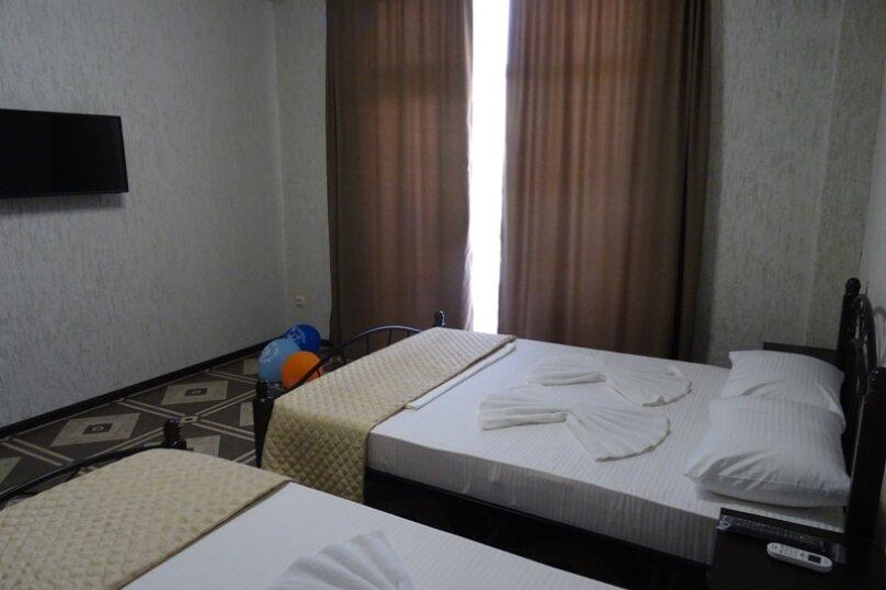 Трехместный номер, 1-й тупик улицы Адыгаа, 10, Гагра - Фотография 2