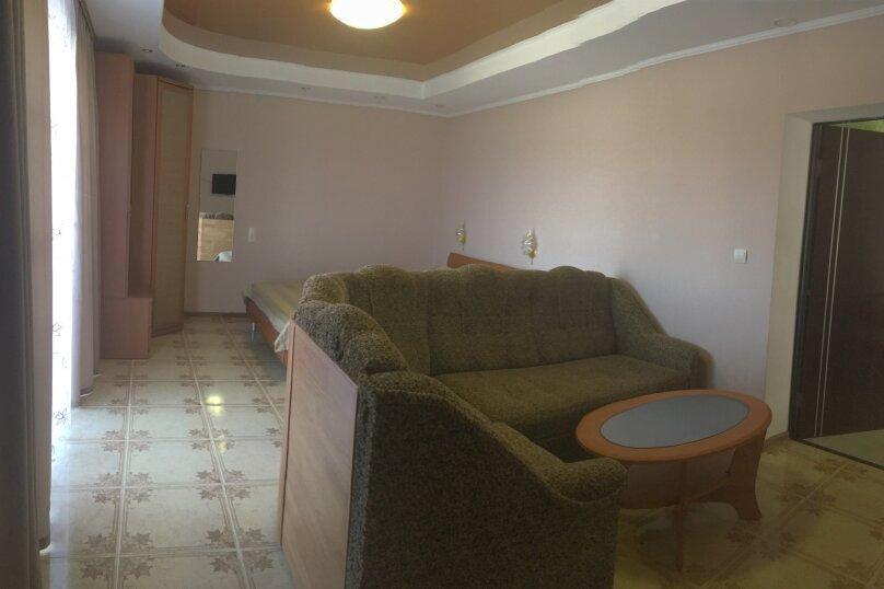 №5 Улучшенный  двухместный номер  , Кипарисная улица, 10П, Черноморское - Фотография 2