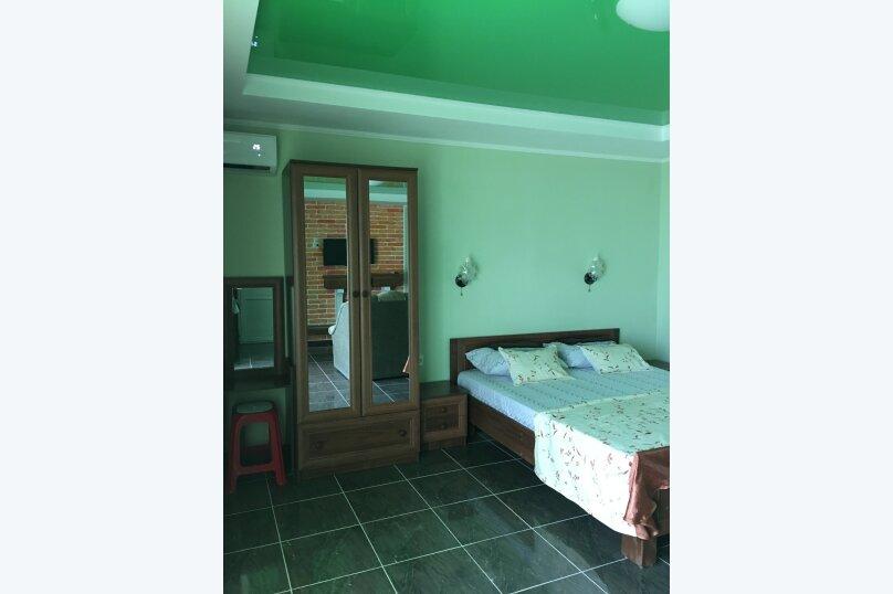 №9 Улучшенный  двухместный номер, Кипарисная улица, 10П, Черноморское - Фотография 2