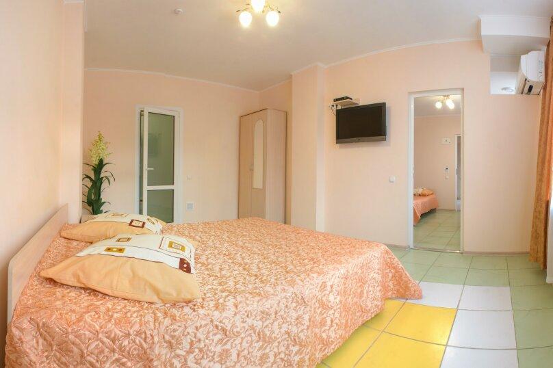 2-х комнатный, Комсомольская улица, 11, Алушта - Фотография 1
