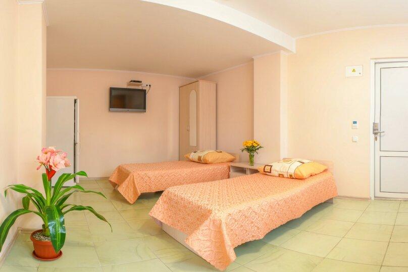 2-х комнатный, Комсомольская улица, 11, Алушта - Фотография 3