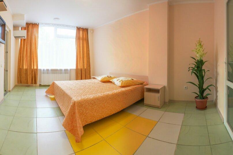 2-х комнатный, Комсомольская улица, 11, Алушта - Фотография 4