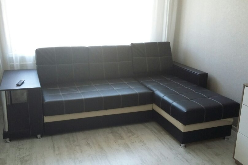 2-комн. квартира, 55 кв.м. на 5 человек, улица Чкалова, 57, Барнаул - Фотография 12