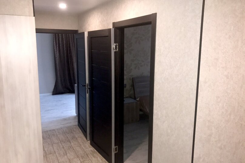 2-комн. квартира, 55 кв.м. на 5 человек, улица Чкалова, 57, Барнаул - Фотография 42