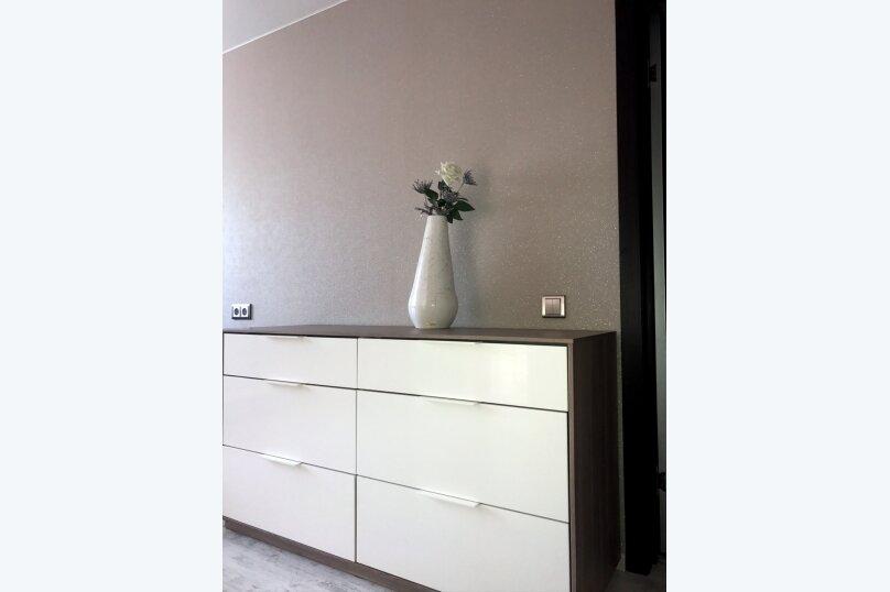 2-комн. квартира, 55 кв.м. на 5 человек, улица Чкалова, 57, Барнаул - Фотография 55