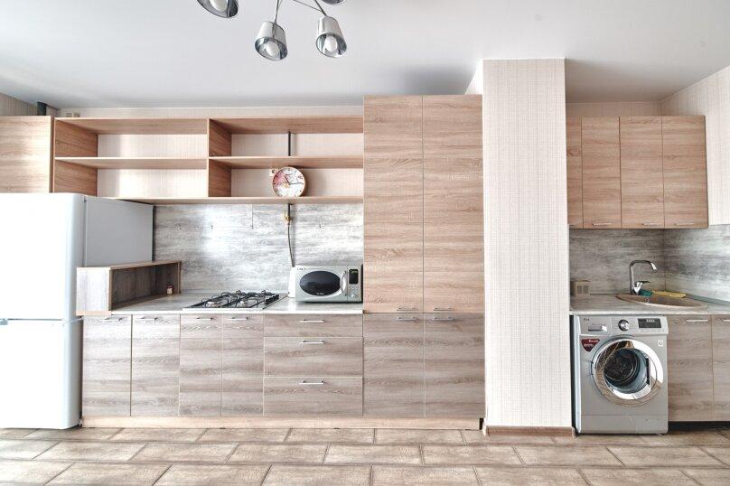 1-комн. квартира, 45 кв.м. на 2 человека, улица Лейтенанта Шмидта, 17, Новороссийск - Фотография 1