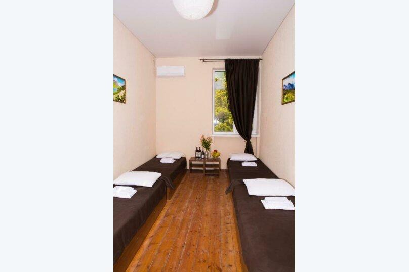 Четырехместный номер с общей ванной комнатой, улица Харазия, 2, Новый Афон - Фотография 6