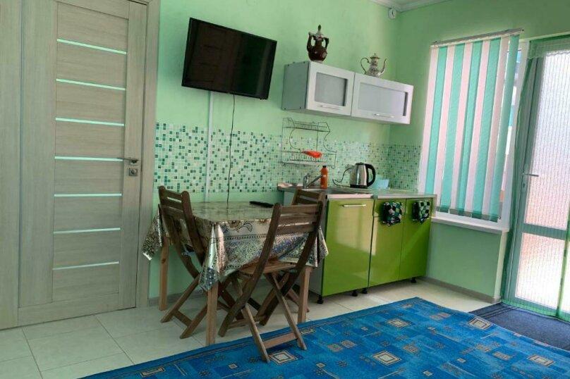 Улучшенный семейный номер - Первый этаж, Курортная улица, 63Б, Голубицкая - Фотография 6