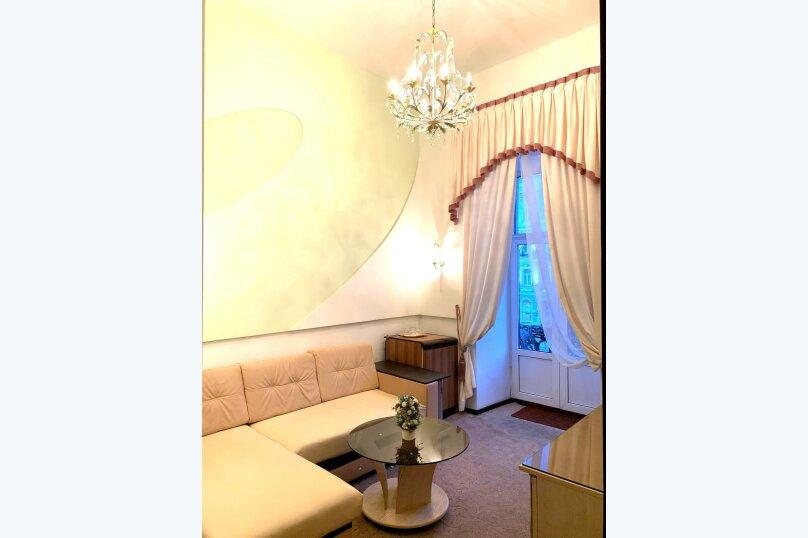 Люкс двухкомнатный, Невский проспект, 53, метро Маяковская, Санкт-Петербург - Фотография 1