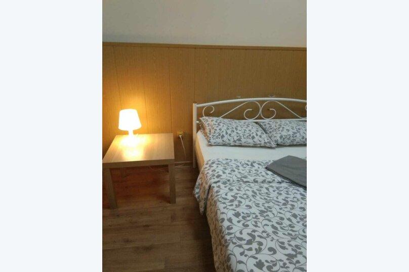 Двух местный номер с одной двухспальной кроватью без окна, 2-я Рощинская улица, 4, Москва - Фотография 3