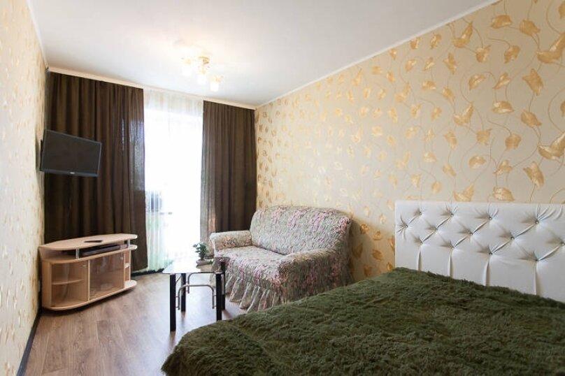 1-комн. квартира, 33 кв.м. на 4 человека, улица Руставели, 28, Челябинск - Фотография 1