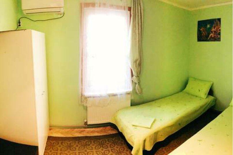 Небольшой двухместный номер, Приморская улица, 12, Лермонтово - Фотография 1