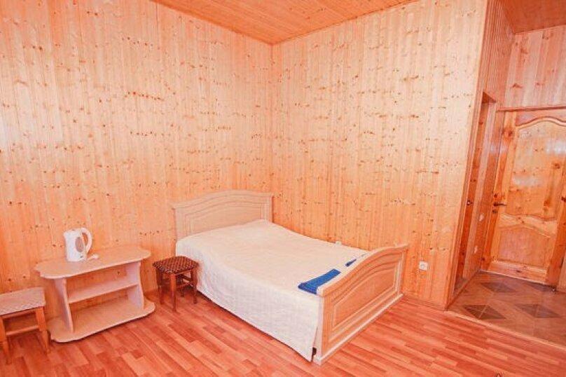 """Гостевой дом """"Арарат"""" , Лапстинская улица, 14 на 12 комнат - Фотография 13"""