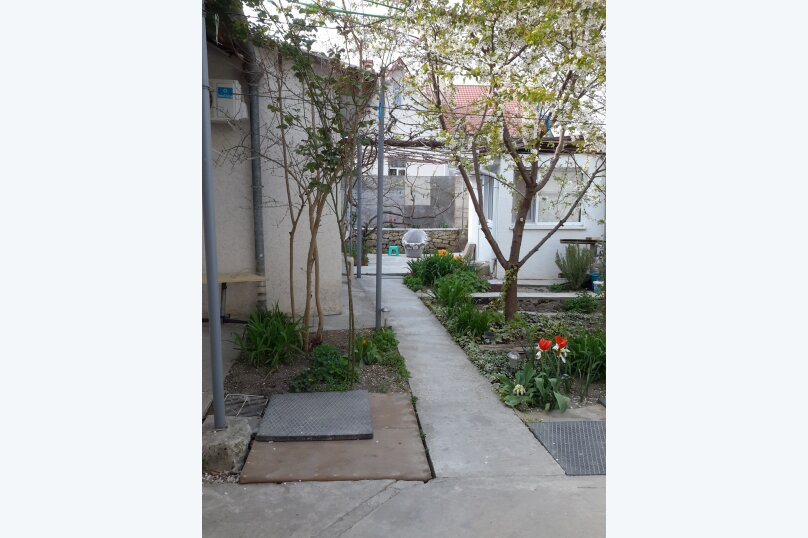 Отдельный однокомнатный домик, 35 кв.м. на 4 человека, 1 спальня, Наваринская улица, 10, Севастополь - Фотография 13
