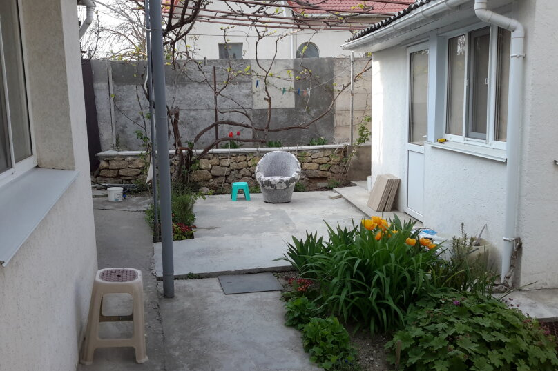 Отдельный однокомнатный домик, 35 кв.м. на 4 человека, 1 спальня, Наваринская улица, 10, Севастополь - Фотография 14