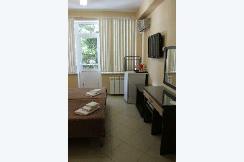 Стандартный двухместный номер с  1 двухспальной кроватью или 2 раздельными кроватями, улица Одоевского, 91А, Лазаревское - Фотография 3