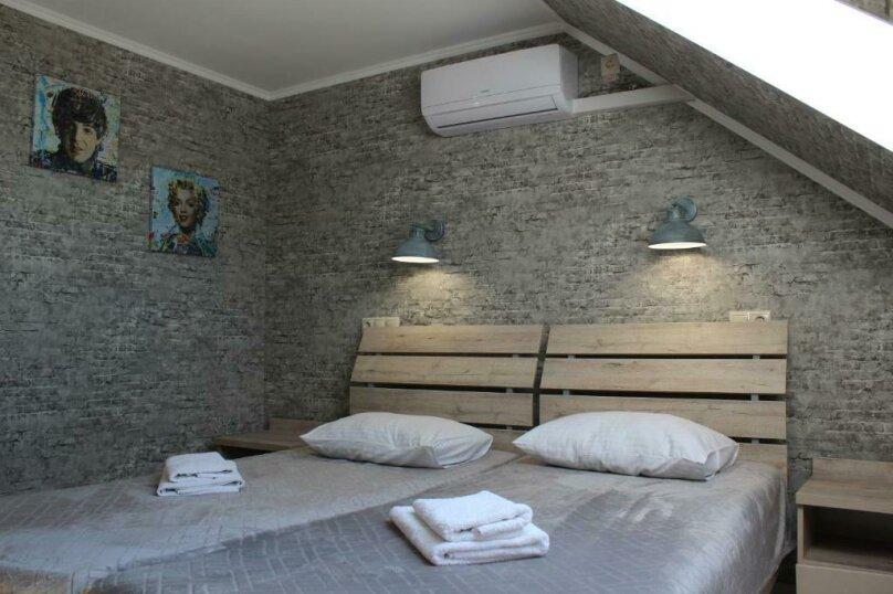 Бюджетный двухместный номер с 1 большой кроватью или 2 раздельными кроватями, без балкона, улица Одоевского, 91А, Лазаревское - Фотография 1