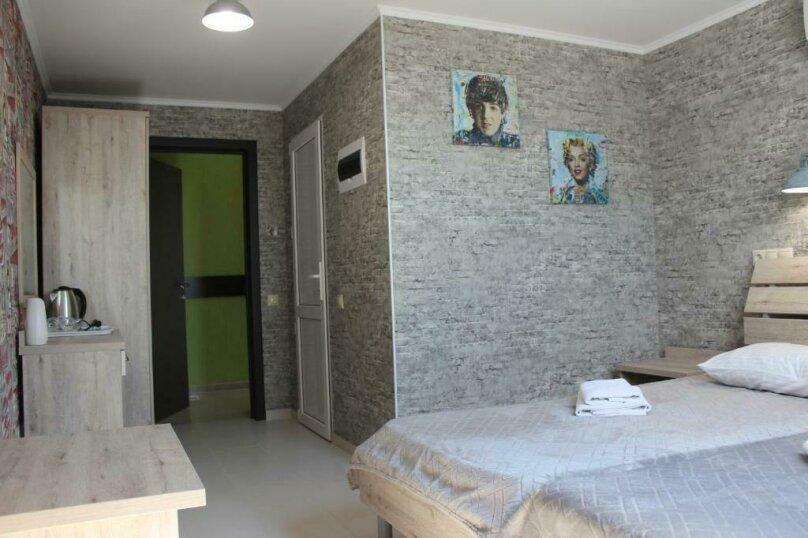 Бюджетный двухместный номер с 1 большой кроватью или 2 раздельными кроватями, без балкона, улица Одоевского, 91А, Лазаревское - Фотография 6