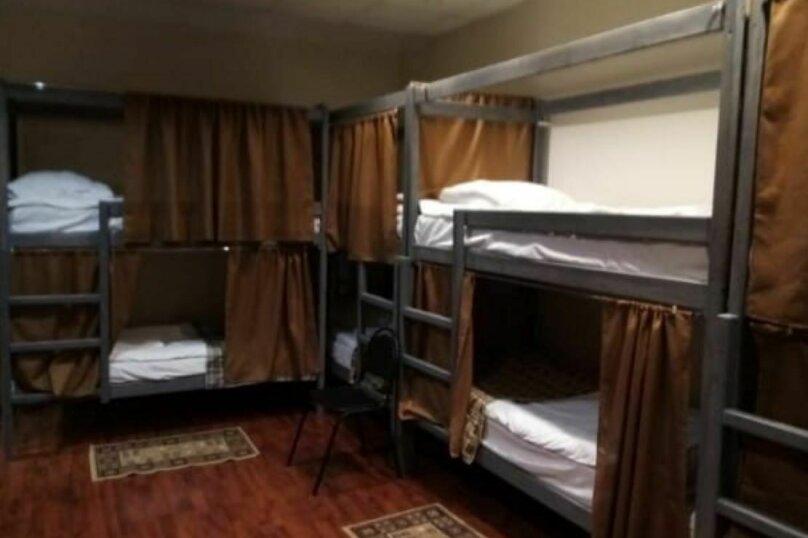 Спальное место на двухъяруной кровати в общем номере для мужчин, Рижская площадь, 1, Москва - Фотография 1