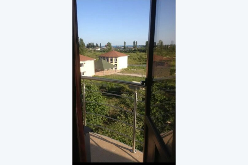 """Гостевой дом """"Арарат"""" , Лапстинская улица, 14 на 12 комнат - Фотография 18"""