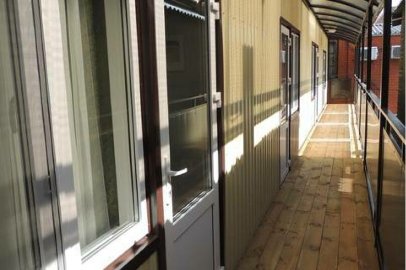 Двухместный номер с двуспальной кроватью и мини-кухней, Взлётная улица, 5, ПК Кавказ, Голубицкая - Фотография 7