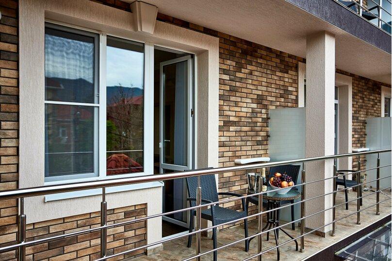 Улучшенный номер сбалконом, Школьная улица, 1, Геленджик - Фотография 7