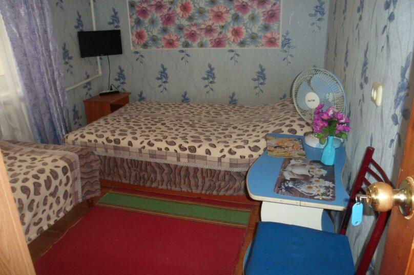 Номер 2х-комнатный с кухней  , микрорайон Солнечный, Ялтинская улица, 18, Геленджик - Фотография 1