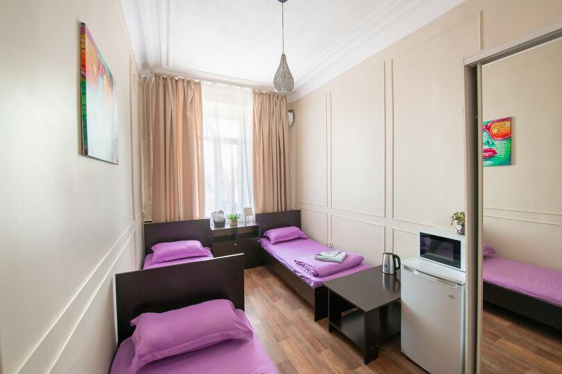 Трехместный номер с 3 односпальными кроватями, Алеутская улица, 17, Владивосток - Фотография 2