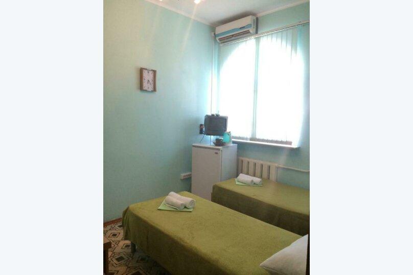 Двухместный номер эконом-класса с 2 отдельными кроватями, Аэродромная улица, 3А, Лазаревское - Фотография 1
