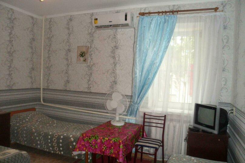 Комната 4-х местная в двухкомнатном номере, микрорайон Солнечный, Ялтинская улица, 18, Геленджик - Фотография 3