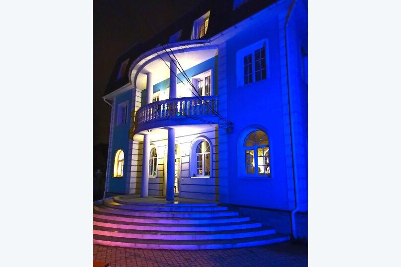 """Загородный гостевой дом """"House in Dibun"""", посёлок Песочный, Пограничная улица на 8 комнат - Фотография 2"""