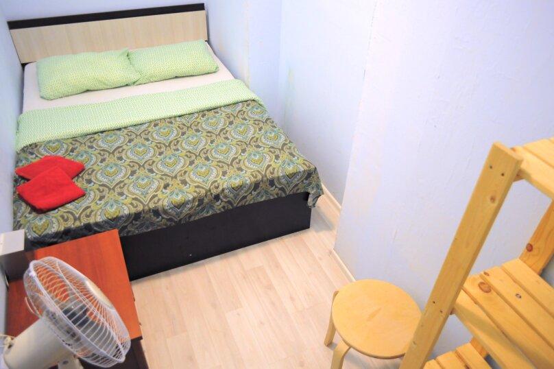 Небольшой бюджетный номер с 1 двухспальной кроватью, без окна, Садовая улица, 28-30к1, Санкт-Петербург - Фотография 5