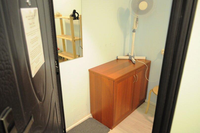 Небольшой бюджетный номер с 1 двухспальной кроватью, без окна, Садовая улица, 28-30к1, Санкт-Петербург - Фотография 6
