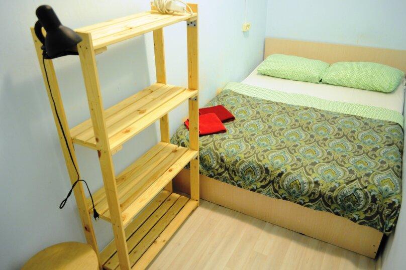 Небольшой бюджетный номер с 1 двухспальной кроватью, без окна, Садовая улица, 28-30к1, Санкт-Петербург - Фотография 7