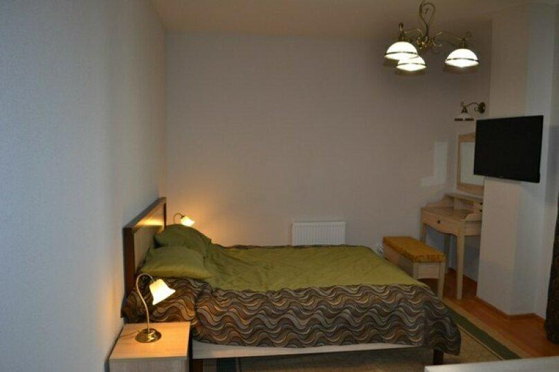 2-комн. квартира, 62 кв.м. на 4 человека, шоссе Космонавтов, 120, Пермь - Фотография 2
