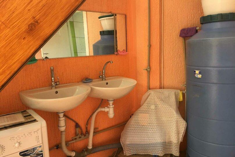 Домик для отдыха, 60 кв.м. на 10 человек, 4 спальни, Строительная, 4А, Феодосия - Фотография 8