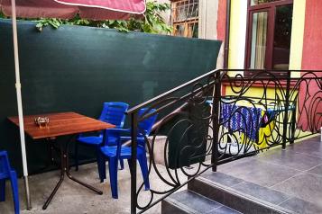 Дом, 70 кв.м. на 4 человека, 2 спальни, улица Казаса, 92, Евпатория - Фотография 1