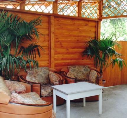 Дом с двориком и обустроенной деревянной беседкой, 35 кв.м. на 3 человека, 1 спальня