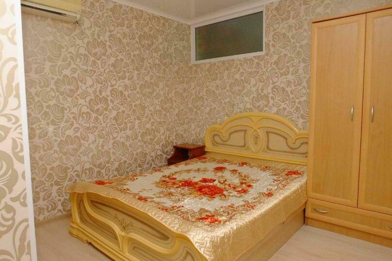 Двухместная комната, микрорайон Тонкий Мыс, Ясная улица, 21, Геленджик - Фотография 1