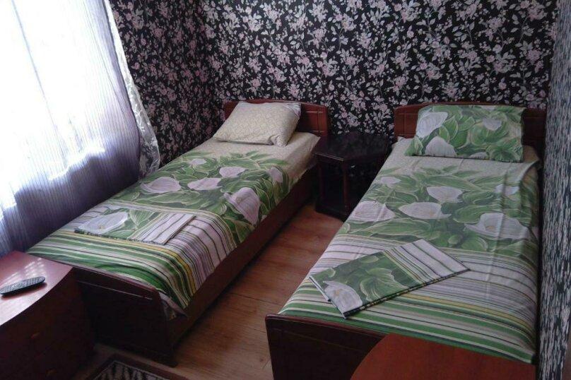 Комната Люкс с двумя спальнями, микрорайон Тонкий Мыс, Ясная улица, 21, Геленджик - Фотография 6