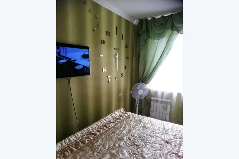 2-комн. квартира, 65 кв.м. на 5 человек, 1-й микрорайон, 27, Щелкино - Фотография 5