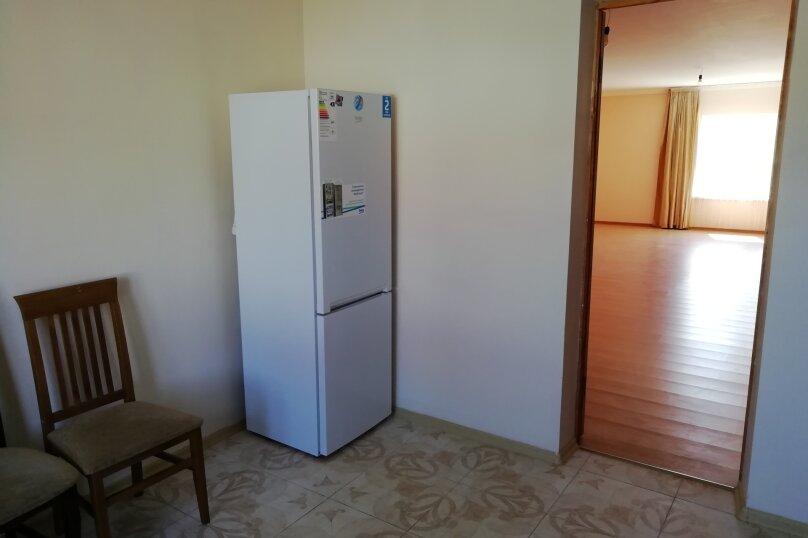 Второй этаж дома с отдельным входом, 100 кв.м. на 8 человек, 3 спальни, Матвиенко, 37, Солнечная Долина - Фотография 19