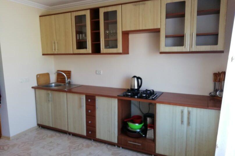 Второй этаж дома с отдельным входом, 100 кв.м. на 8 человек, 3 спальни, Матвиенко, 37, Солнечная Долина - Фотография 20